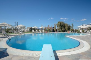 birikos studios naxos swimming pool